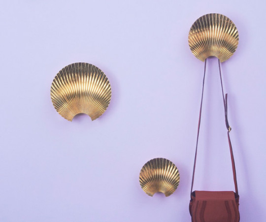 AYTM Concha Hook & Wall Decoration - Small - Gold