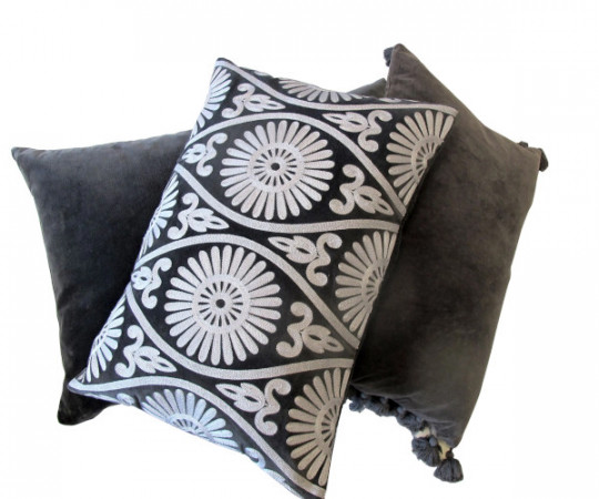 By Living Cph Grey Daze Velvet pude 60x40cm