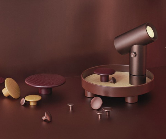 Muuto The Dots Metal - Umber - Stor